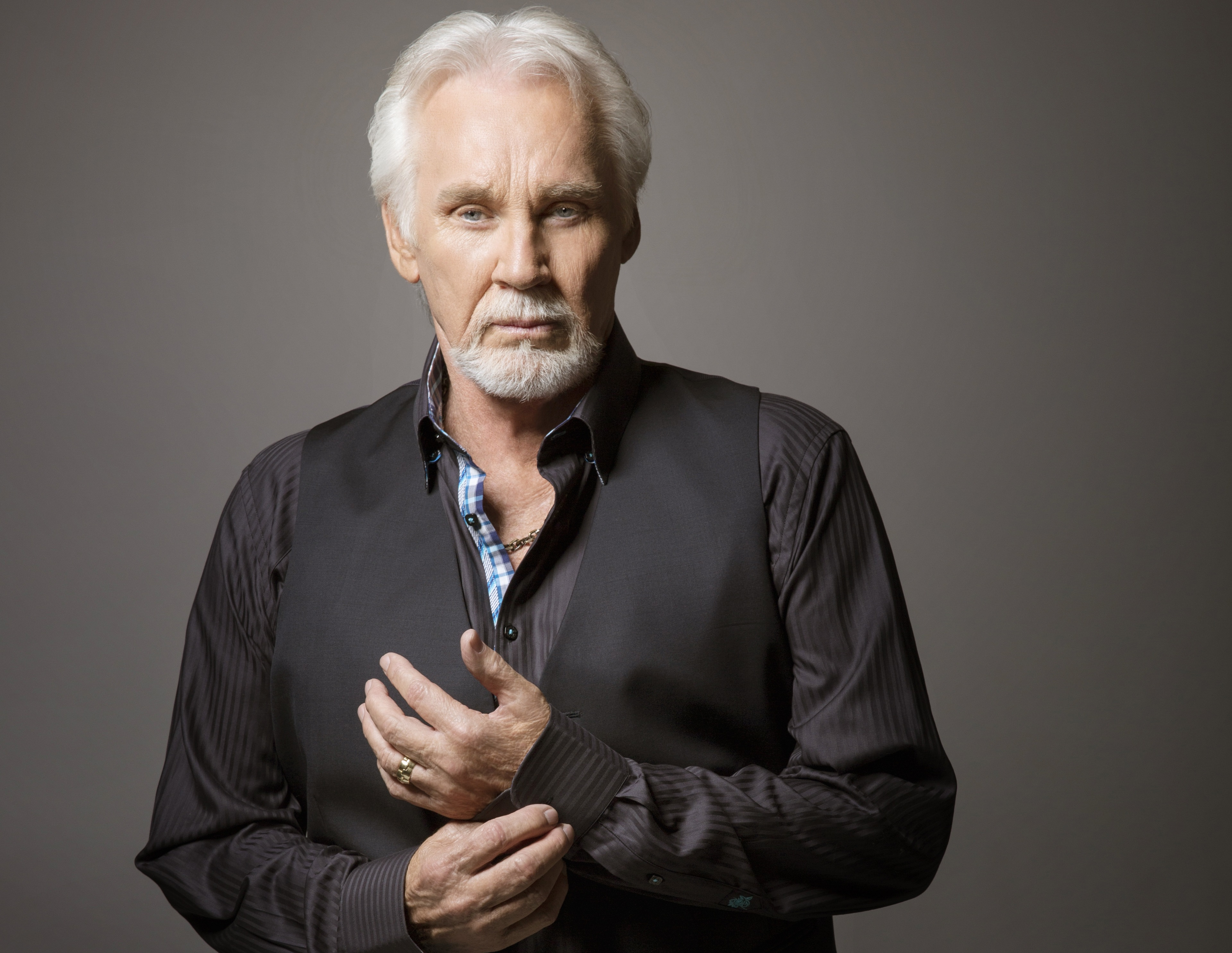 ZEMŘELA VELIKÁ LEGENDA COUNTRY KENNY ROGERS